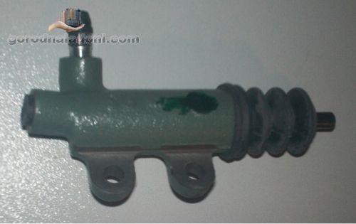 Рабочий цилиндр сцепления Toyota Hilux 2 / пикап / 2,4D